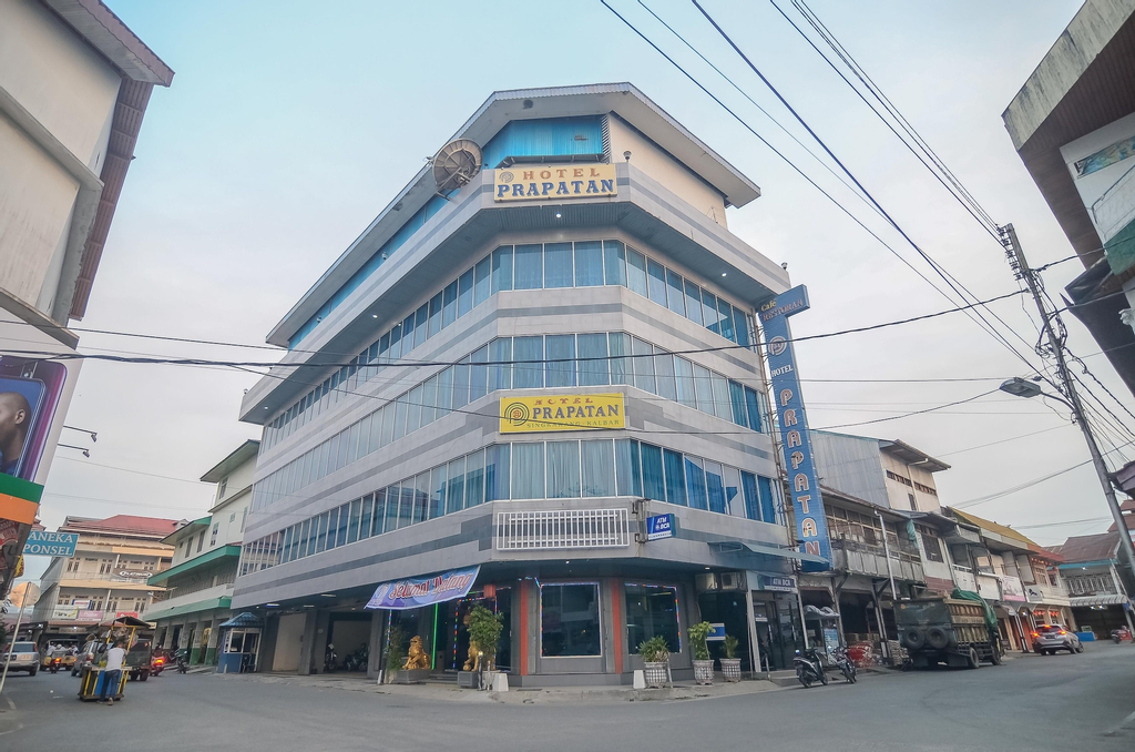 RedDoorz near Tugu Naga Singkawang, Singkawang