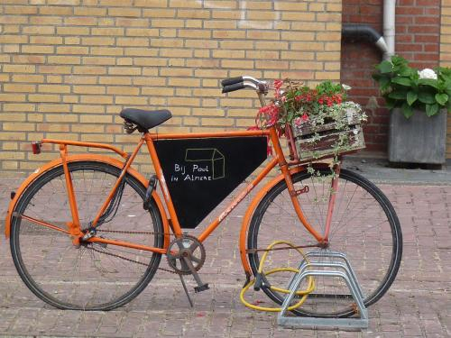 Bij Paul in Almere, Almere