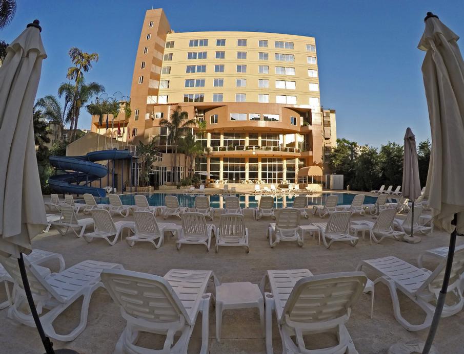 The Cosmopolitan Hotel, El Metn