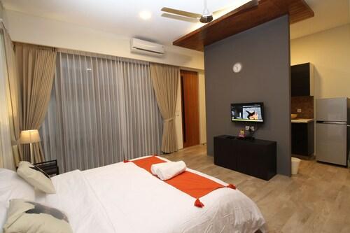 CoHaus 8 Studio & Kitchen, Jakarta Selatan