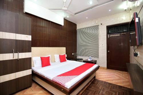 OYO 30737 Hotel Holy City Paradise Inn, Rupnagar