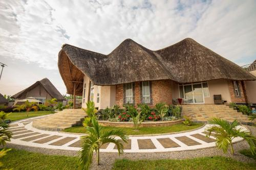 Masheda Palms, Mawokota