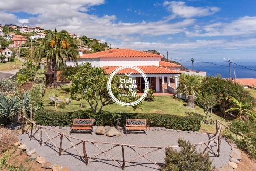 Southern Sunny House by An Island Apart, Calheta