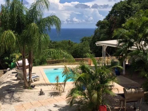 BLUE PARADISE, La Trinité