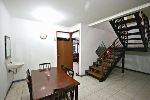 De Sun Pasteur Guest House by HouseinBandung, Bandung