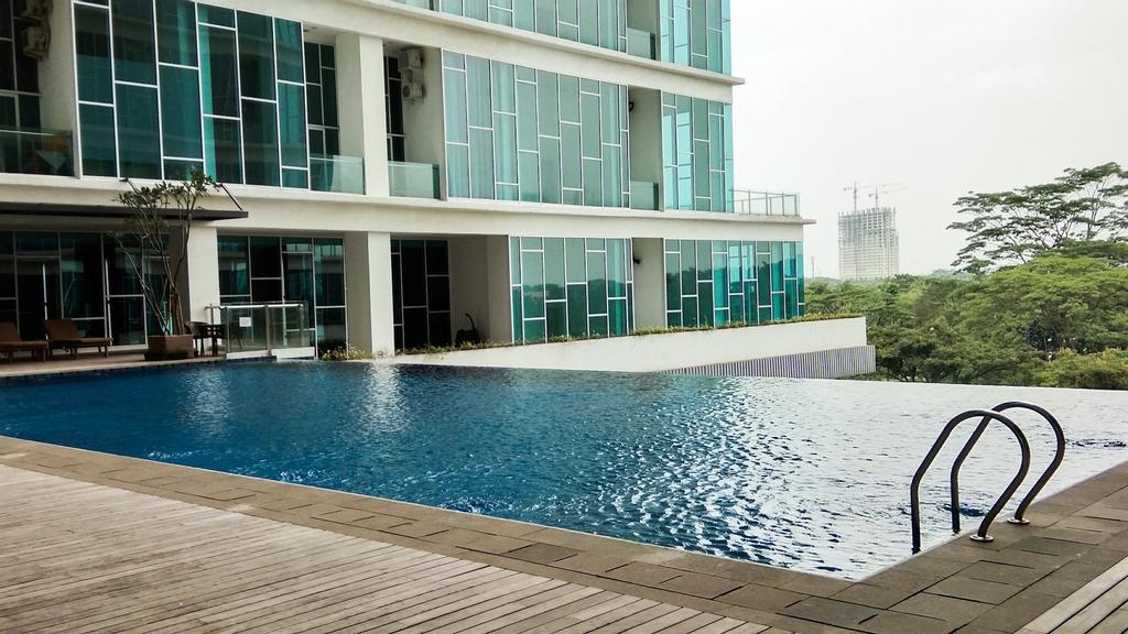 Best Price 1BR Brooklyn Apartment near IKEA Alam Sutera By Travelio, Tangerang Selatan