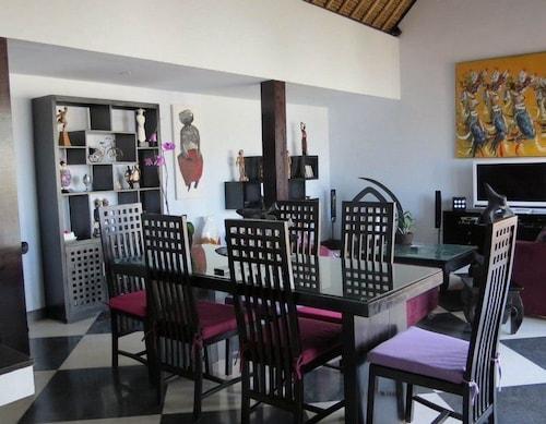 Villa Ad, Badung