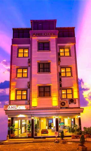 Anil Hotel Trabzon, Merkez