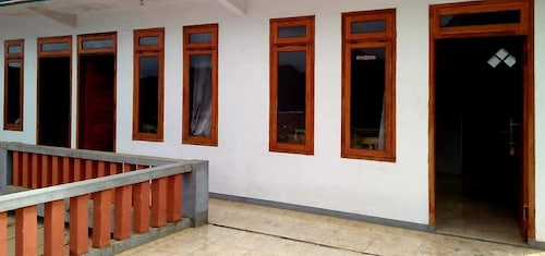 Standard Room at Udin Homestay, Probolinggo
