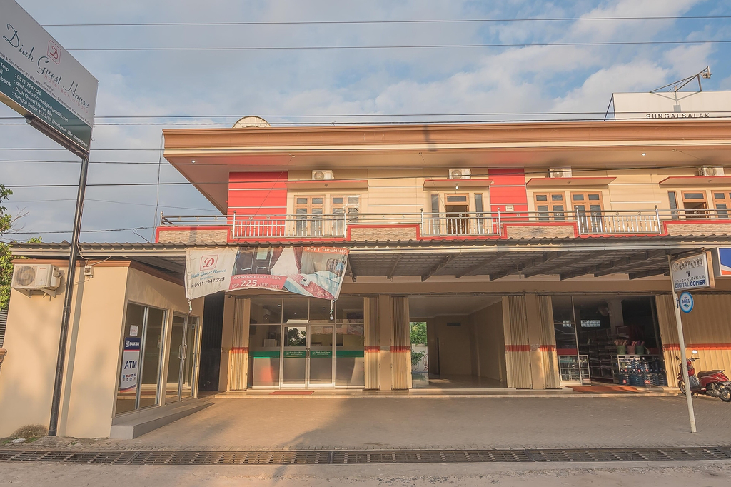 RedDoorz Plus near Syamsudin Noor Airport 3, Banjar