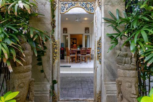 Villa Mari Camplung Tanduk Seminyak, Badung