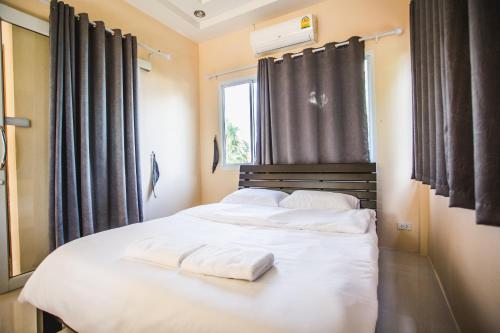 Mark&Minnie Bangsapan Resort, Bang Saphan