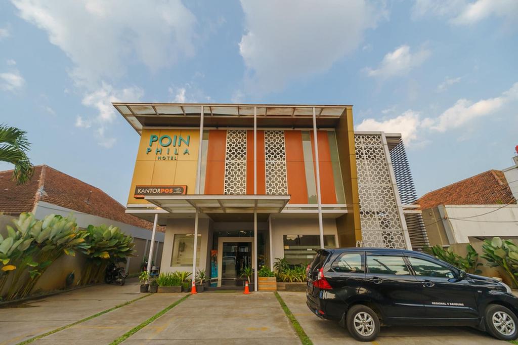 RedDoorz Plus @ Point Phila Cihampelas, Bandung