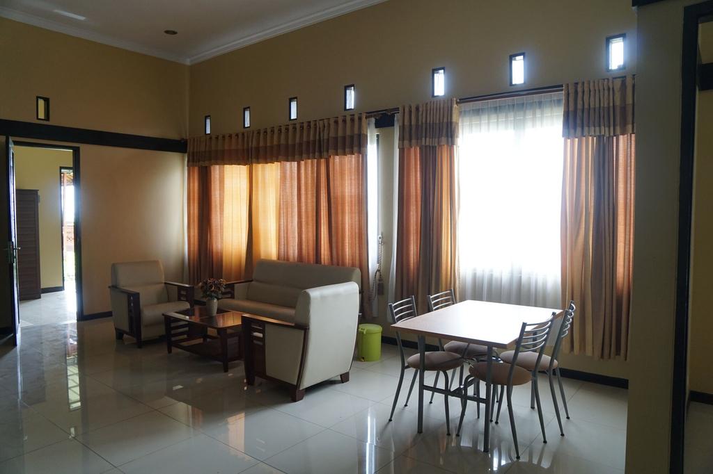 Aldeoz Ciater Cikole Villa Subang, Subang