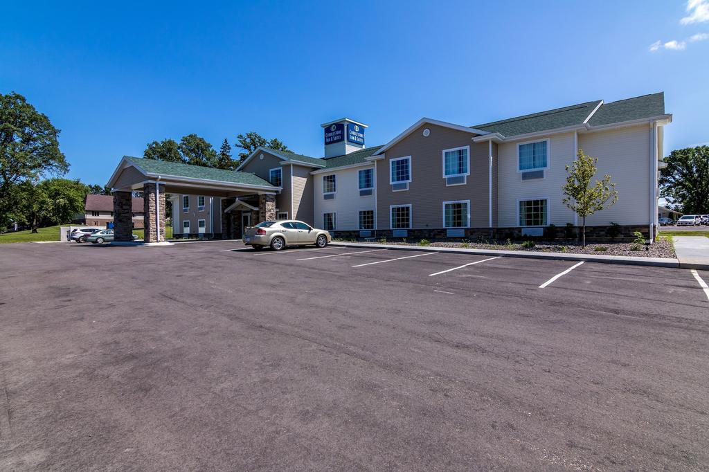 Cobblestone Inn & Suites - Barron, Barron