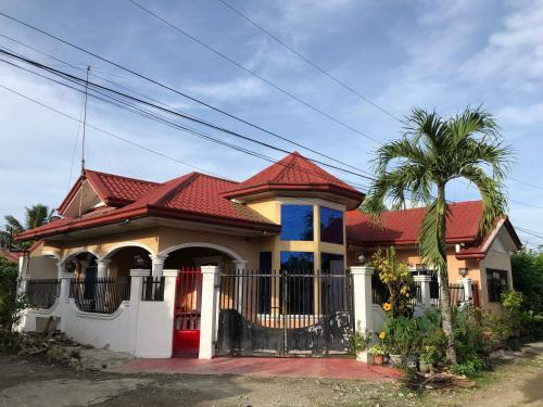 Tagum City Family Vacation House - Entire House 3BR, Tagum City