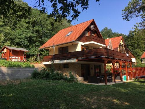 Beach House Orfu, Pécs