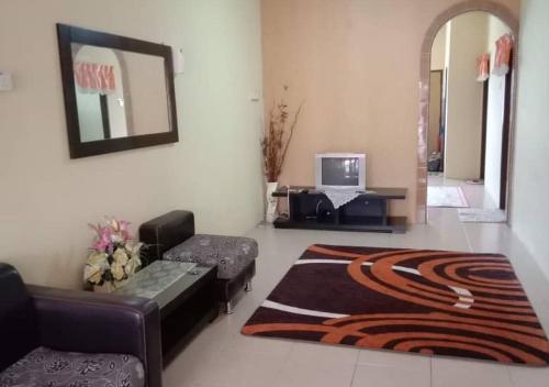 3 ROOMS MUSLIM FRIENDLY HOME IN AYER KEROH, Kota Melaka