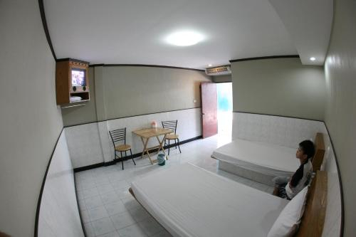New Friend Hotel, Muang Samut Sakhon