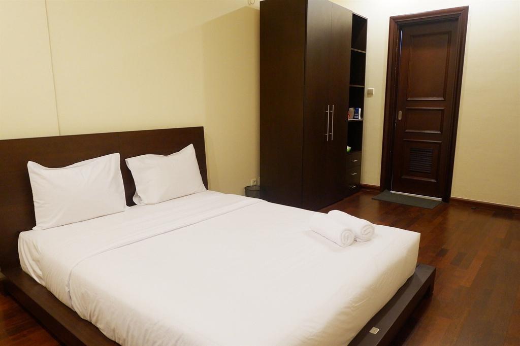 Homey The Bellezza Apartment, Jakarta Selatan