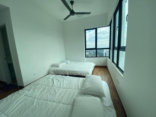 Smarthome - ICity Penthouse with 2 Room 2 Bathroom for 4-12 Peoples, Kuala Lumpur