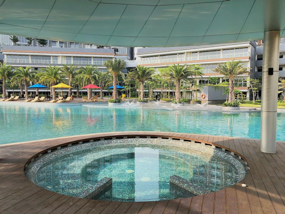 Gold Coast PIK Sea View Apartments by LongeStay, North Jakarta