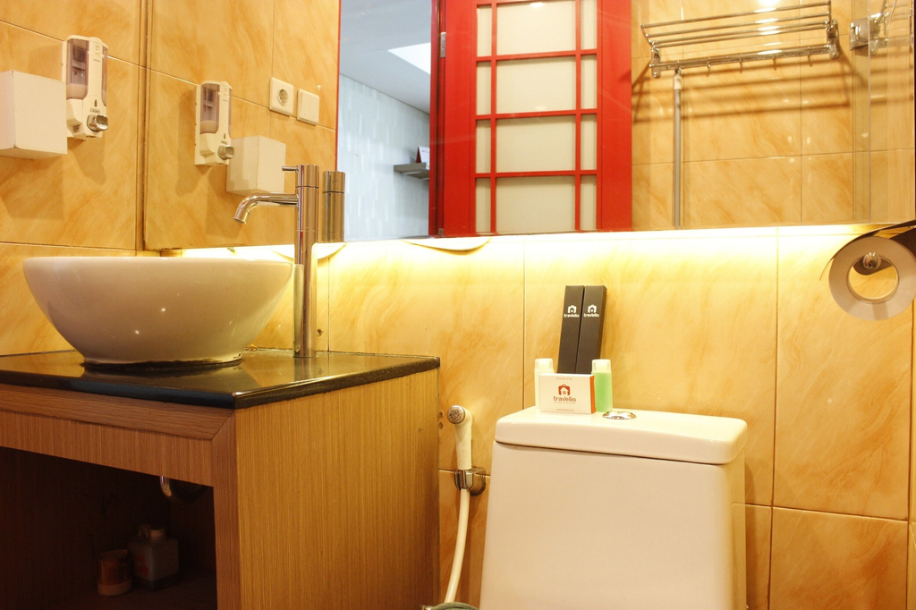 Premium Studio Room @ Tamansari La Grande Apartment By Travelio, Bandung