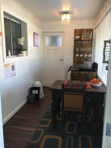 Charming Family-Friendly Suite In Central Gisborne, Gisborne