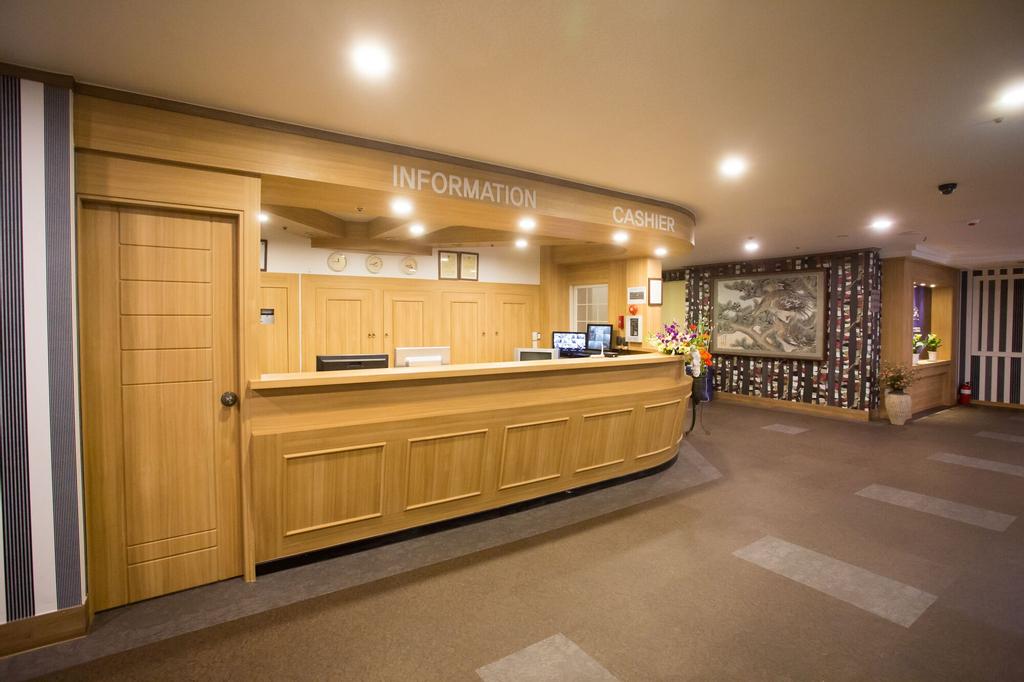 Ritz Hostel, Changwon