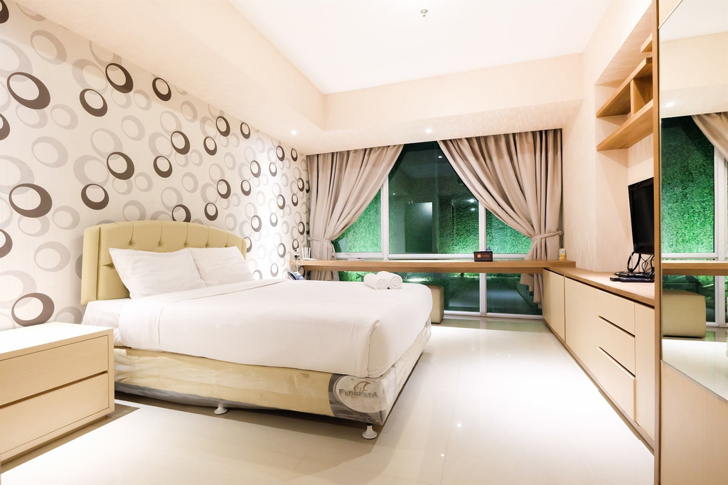 Dazzle Studio Room @ U-Residence Apartment Direct to Supermall Karawac, Tangerang