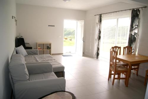 House with 2 bedrooms in Conceicao, with wonderful sea view, enclosed garden and WiFi - 800 m from t, Horta