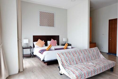 CoHaus 10 Private Suite, Jakarta Selatan