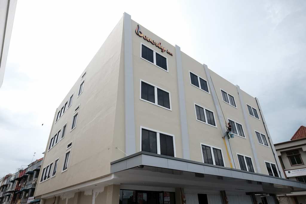 RedDoorz Plus near Ferry Terminal Batam Center, Batam