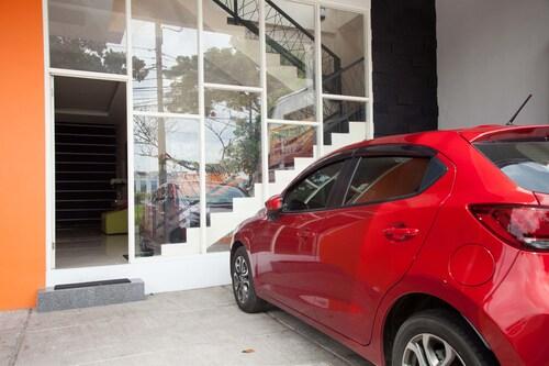 RedDoorz near ITS University, Surabaya