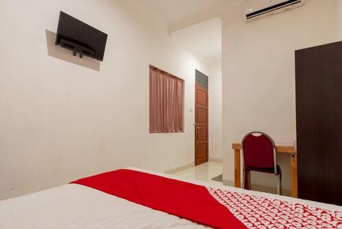 OYO 339 Mojopahit Residence, Medan