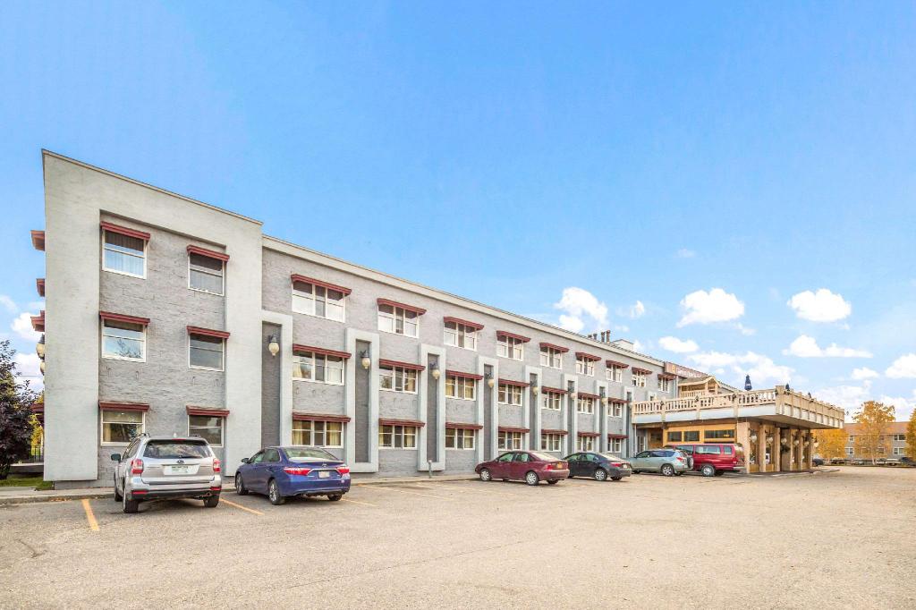 Clarion Hotel & Suites Fairbanks near Ft. Wainwright, Fairbanks North Star