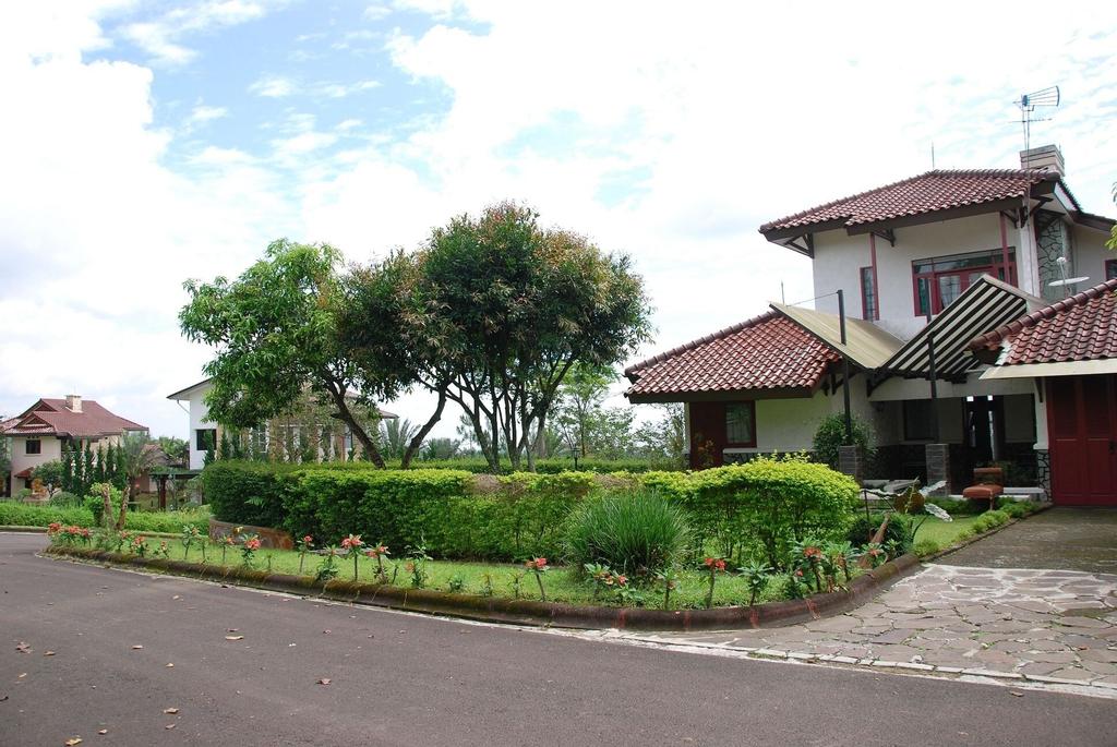 Villa ChavaMinerva Bata - Ciater, Subang