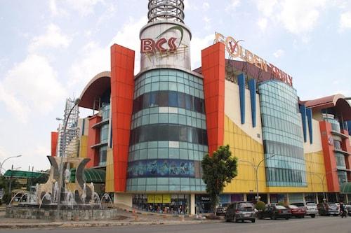 Strategic location opposite BCS Mall, Batam
