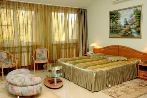 Star Castle Hotel, Narimanovskiy rayon