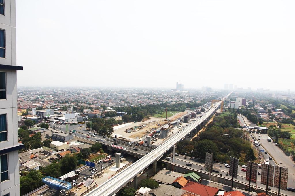Nice View Studio Apartment @ Grand Dhika City By Travelio, Bekasi