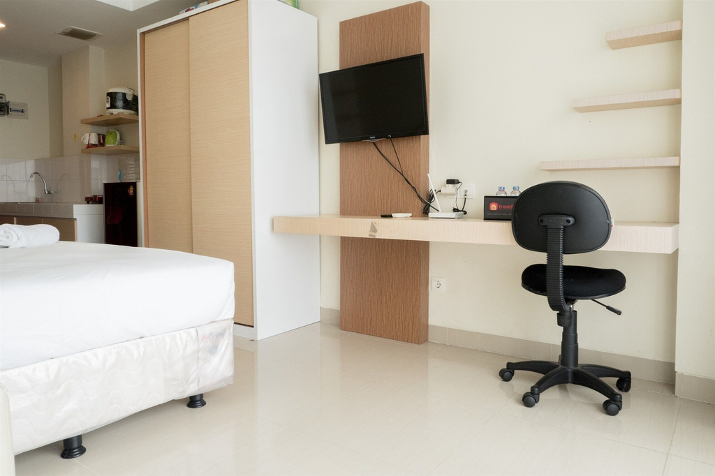 Simply Homey Studio Room at Beverly Dago Apartment, Bandung