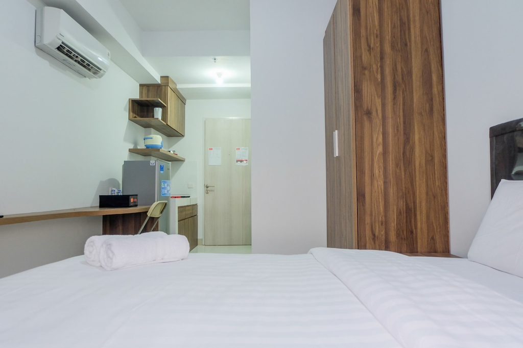 Comfortable Studio Azalea Suites Apartment, Cikarang