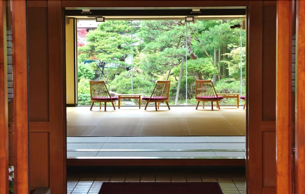 Hohoemino Kuyufu Tsuruya, Tendo
