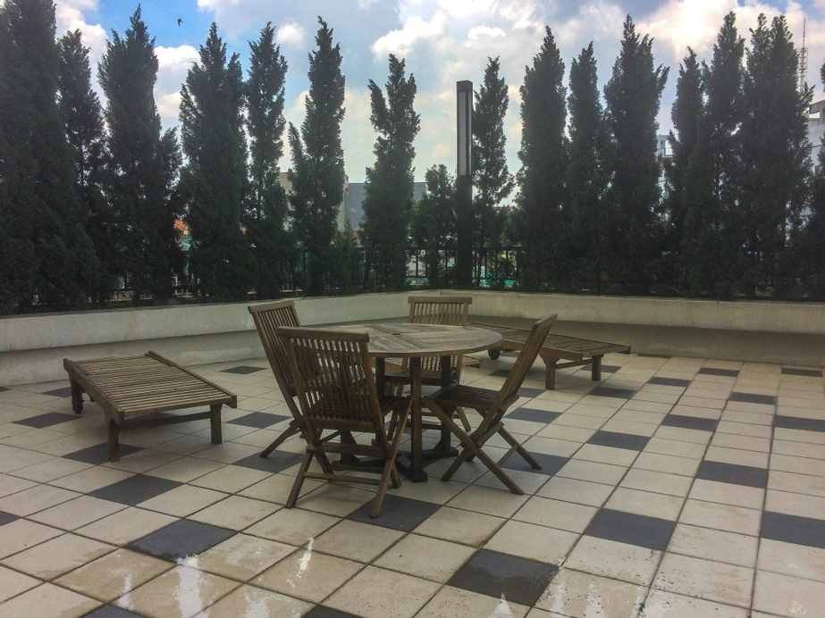 Comfortable Premiere 1BR at The Oasis Apartment, Cikarang