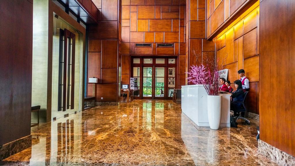 Spacious Elegant 2BR Veranda Residence @ Puri Apartment, Jakarta Barat