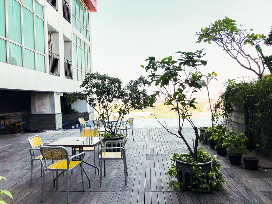 Modern Studio Apartment at Tamansari Papilio By Travelio, Surabaya