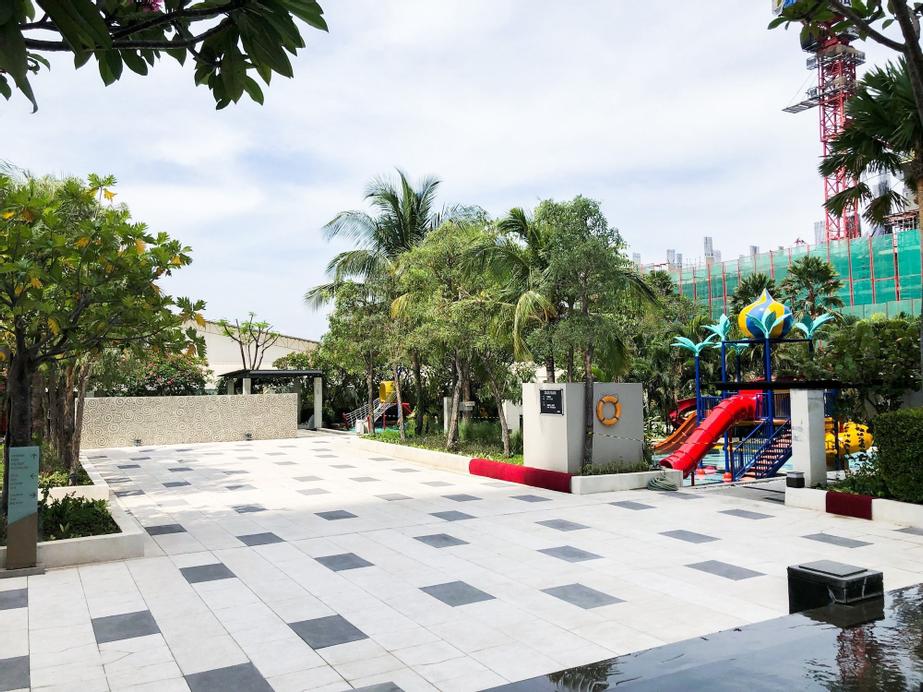 Exclusive 2BR The Via & The Vue Apartment Ciputra World, Surabaya
