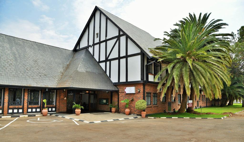 Cresta Churchill, Bulawayo
