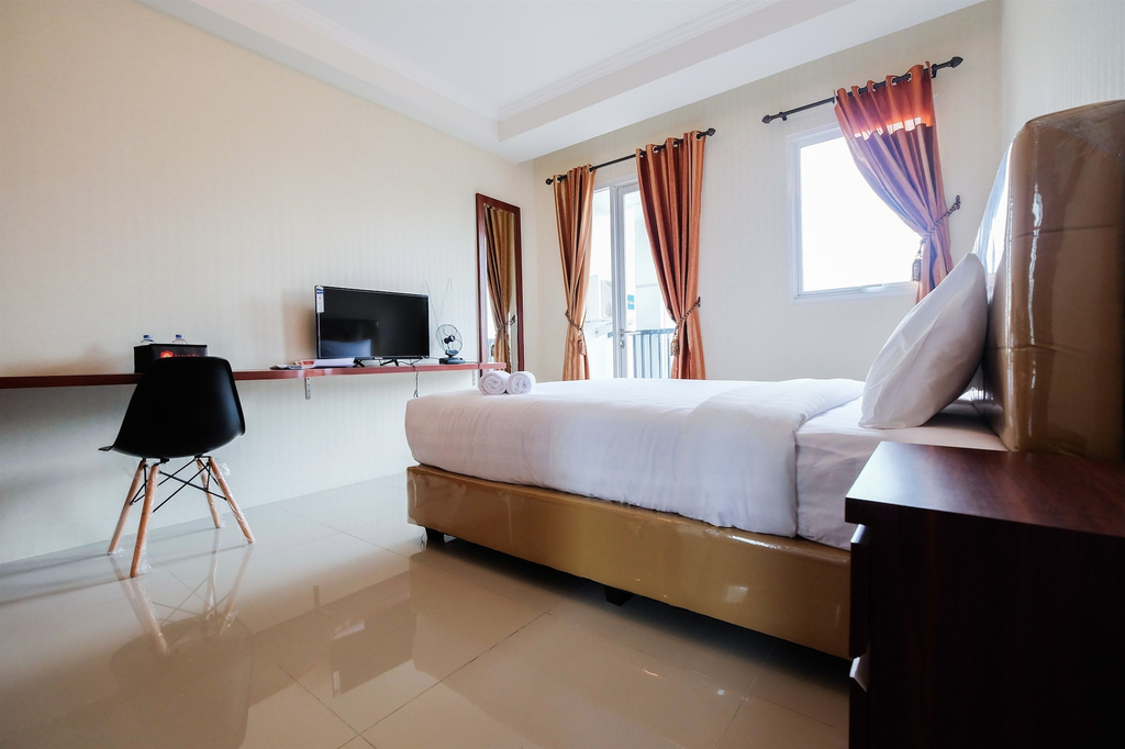 Simple Studio Signature Park Grande Apartment near MT Haryono, South Jakarta