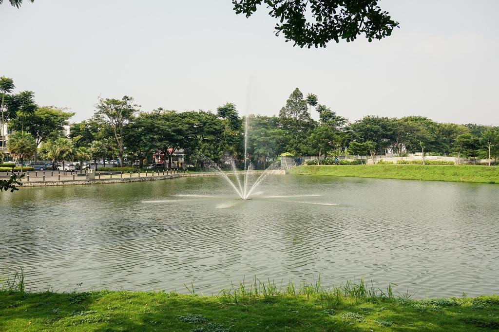 2BR Luxury Citra Lake Suites Apartment, Jakarta Barat